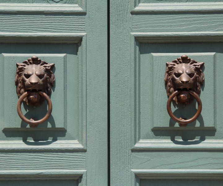 doors-1519214_1280